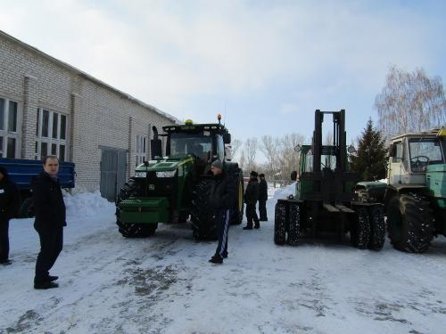 Машинотракторный парк, вождение трактора1